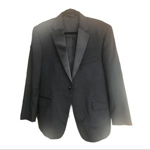 """Joseph A. Banks 2 piece tuxedo 42 short waist 37"""""""
